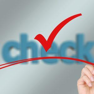 Fact-checking ou verificação de fatos, como recurso para recuperar a relevância do jornalismo com a internet.